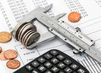 Utrata pracy a kredyt gotówkowy – co zrobić? Czy warto się ubezpieczyć?