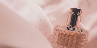Piękne opakowania produktowe na perfumy